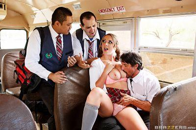 The Boobs on the Bus Go Round Brooke Wylde & Tommy Gunn