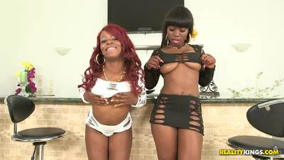 Danielle Reid And Amber Double Teamed