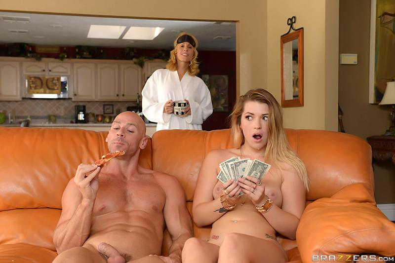 Slip In That Big Tip Jenna Ashley & Johnny Sins