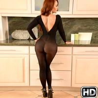 Janet Mason – Sexy Back In Black