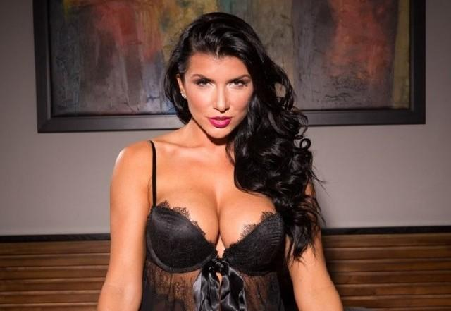 Romi Rain – Home Invaders Come To Prowl, She Rewards Them With An Open