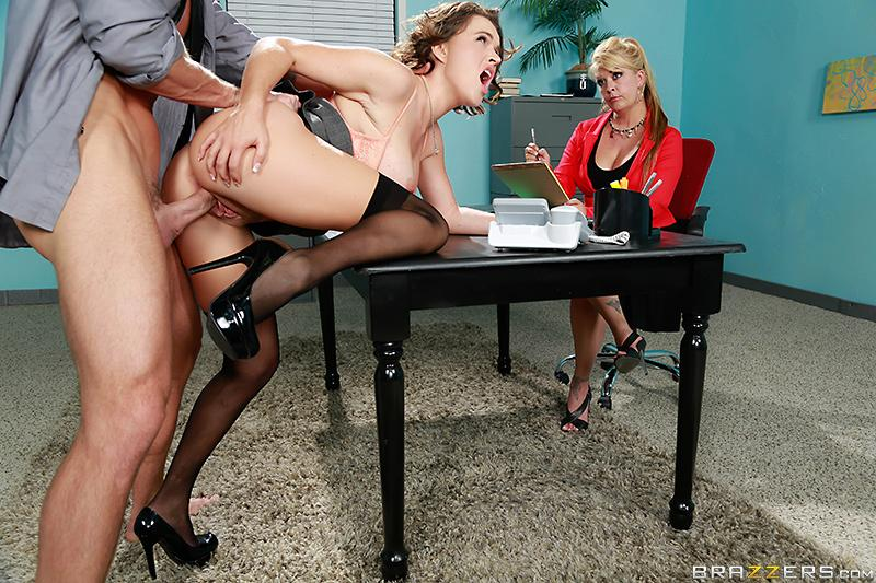 Testing Her Concentration Krissy Lynn & Johnny Sins