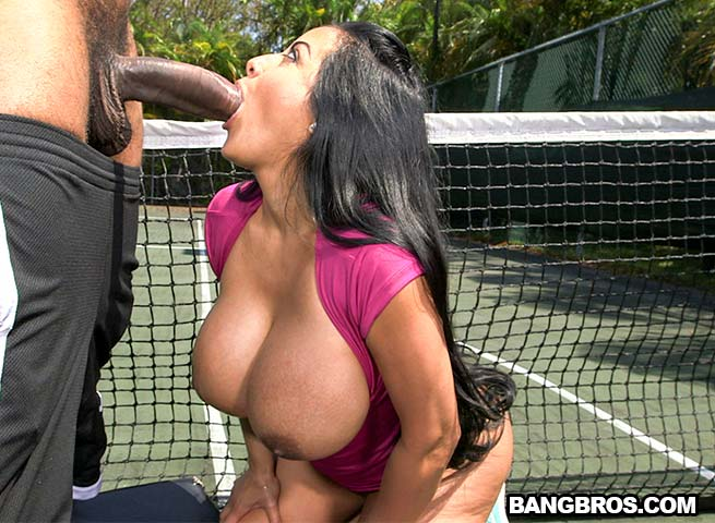 Kiara Mia – Big Sss MILF Loves Big Black Dick