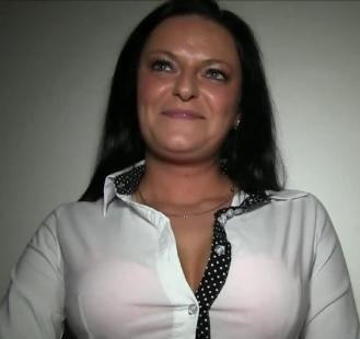Public Agent – Busty MILF Has Sex With A Stranger For Cash E287