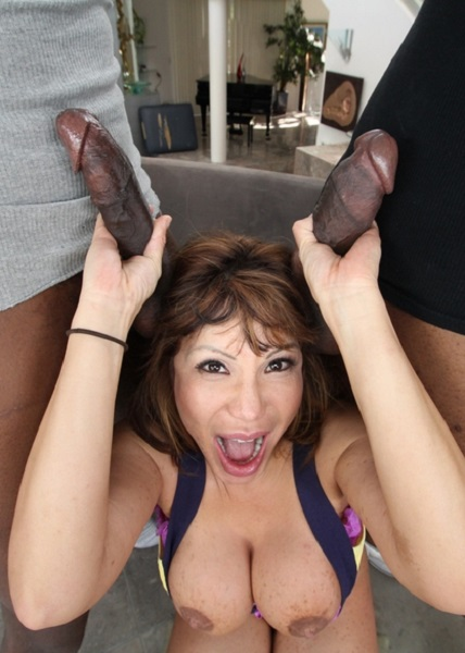 Ava Devine – Two Black Dicks Double Penetrate…