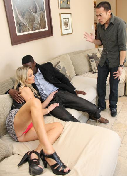 Abbey Brooks – Moms Cuckold 17