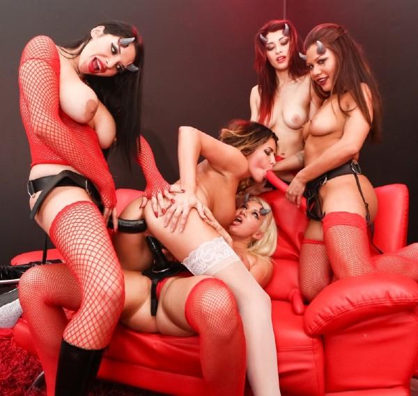 Mena Mason, Missy Martinez, Raven Rockettte, Danica Dillon, Layla Price – The Destruction of Danica Dillon