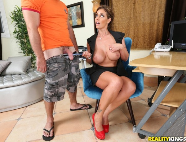 Eva Notty – Ms Notty