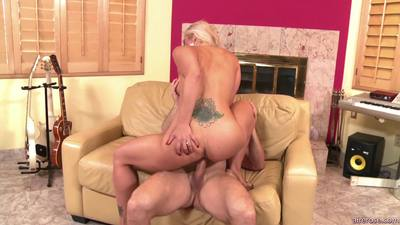 Aire rose – Holly Heart