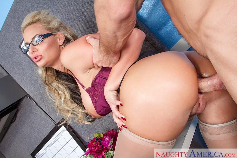 Phoenix Marie in Naughty Office