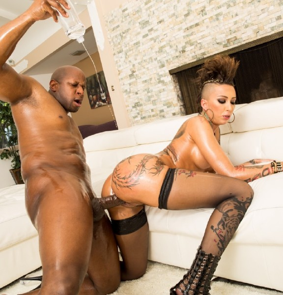 Bella Bellz, Prince Yahshua – Bubble Butt Oiled Up For A Big Black Cock