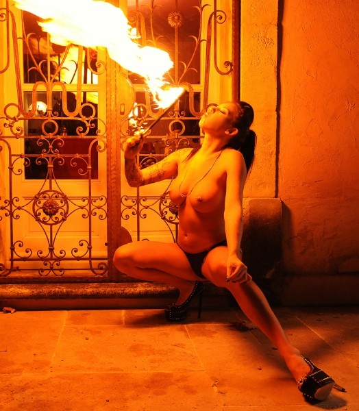 Daniela aka Daniella Mae – Burn, Pussyfucker, Burn: Pyromaniac Sets Her Quim On Fire