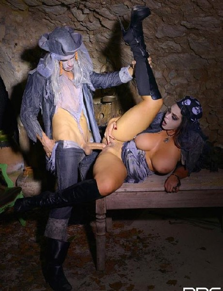 Alyson Tyler – Dark Pirates Nest: Busty Pirate Enjoys Zombie Cock