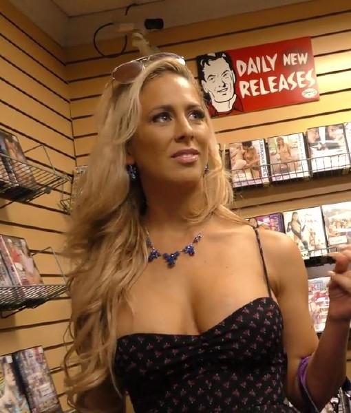 Big tit blonde fucking