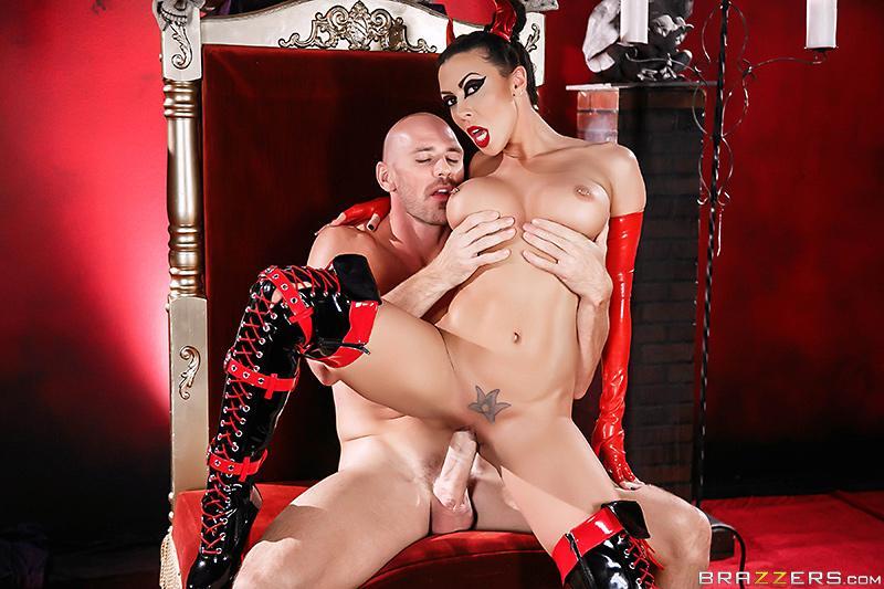 A Horny Devil Rachel Starr & Johnny Sins