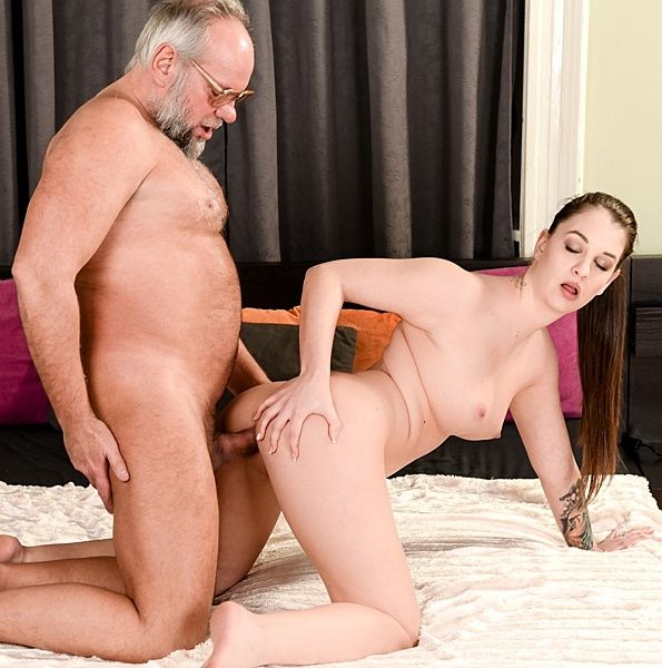 Angelina Brill – Grandpas Dirty Magic Trick