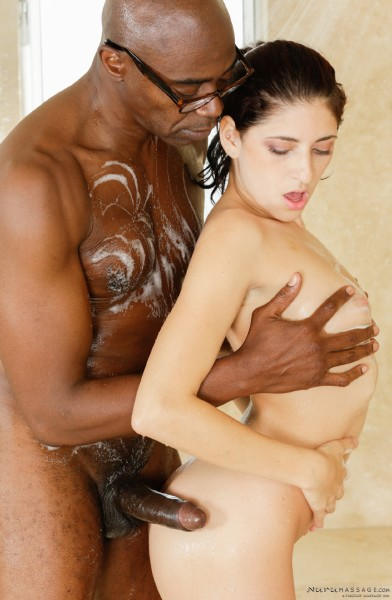 Nikki Knightly, Sean Michaels – Sean Tries Nuru