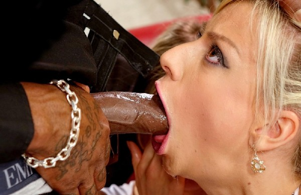 Jessie Volt, Gina Gerson – Beauties And The Black