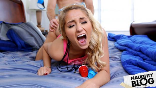 Kimmy Fabel – Curvy Chick Does her Stepbrother