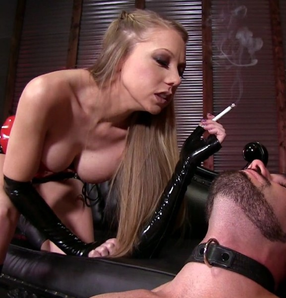 Shawna Lenee – You dont like smokers?