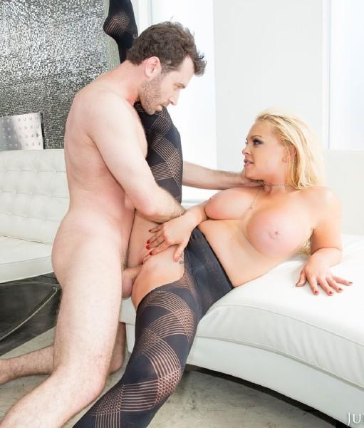 James Deen , Jesse – Jesse, Big Tit Slut Takes A Pounding