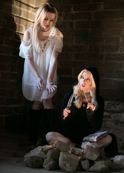 Dahlia Sky, Charlotte Stokely – Clairvoyance: Part One