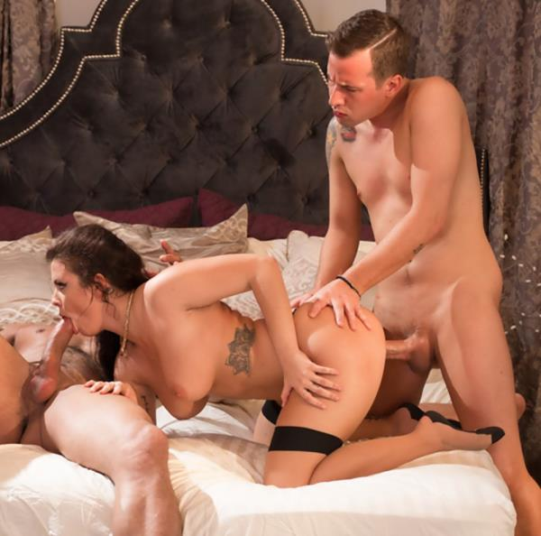 Keisha Grey, Jessy Jones, Carlo Carrera – She Has This Fantasy