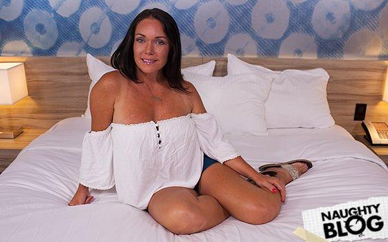 Brenna – Texan MILF with nice bubble butt – E396