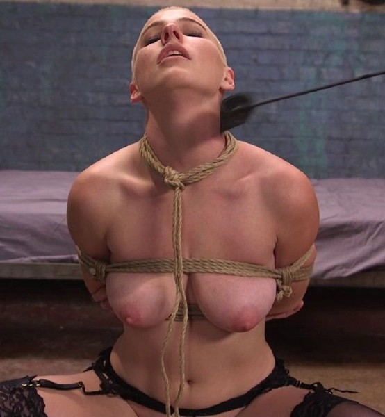 Riley Nixon – Slave Training Gorgeous Newbie: Riley Nixon