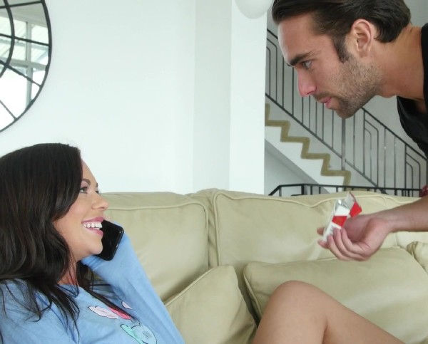 Stella Daniels – Stepsister fucked for a cig