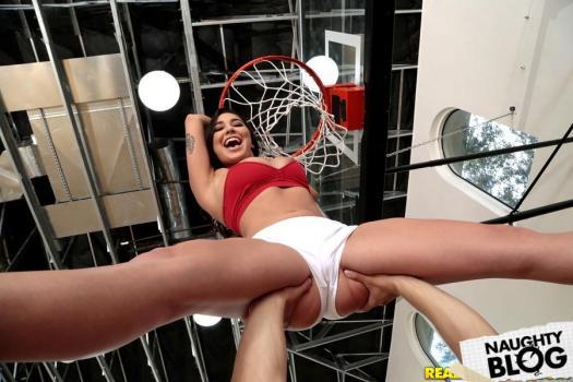 Karlee Grey – Shes Ballin