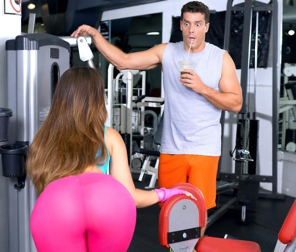 Kelsi Monroe – Gym Fails