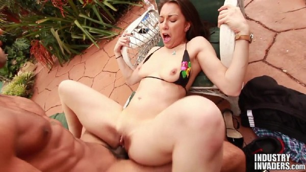 Alexis Rodriguez – Scandalous Young Big Booty Wife