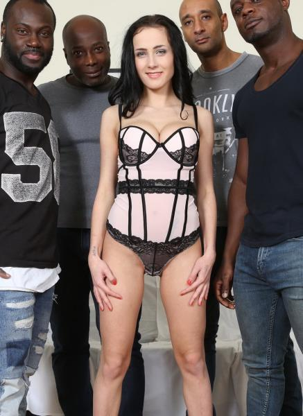 Nicole Love – Nicole Love Wants To Know What It Feels Like To Have Four Black Cocks. She Fucks And Sucks Four Black Guys IV042