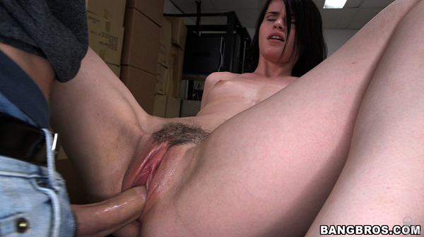 Heather Night – Amateur Brunette Orgasms On The Dick!