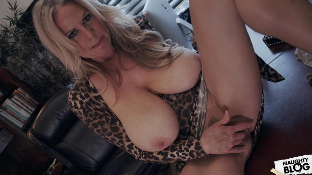 Kelly Madison – Office Hunting