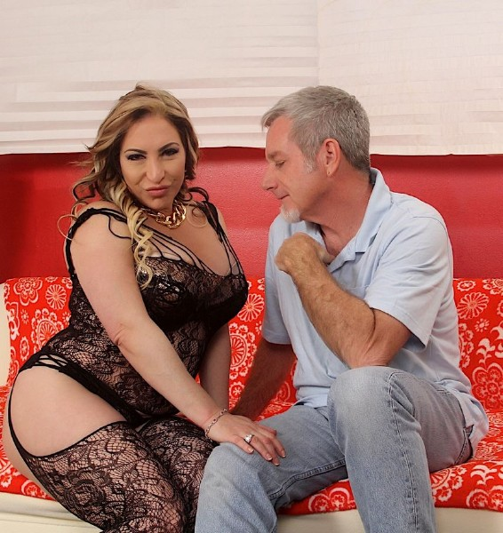 Savannah Jane – This Mom Still Loves Dick