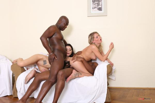 Claudia Mac, Valentina Bianco – those two sluts have real passion for big black cock IV063