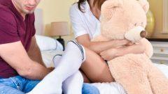 Charity Crawford, Bill Bailey – Teddy Bears, Feet And Sex