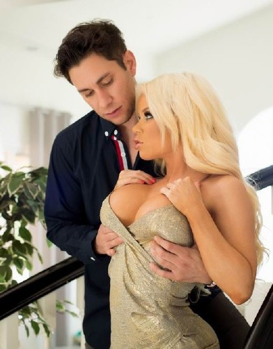 Nikki Delano – Axel Brauns Busty Hotwives