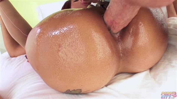 Skin Diamond: Top Shelf Anal