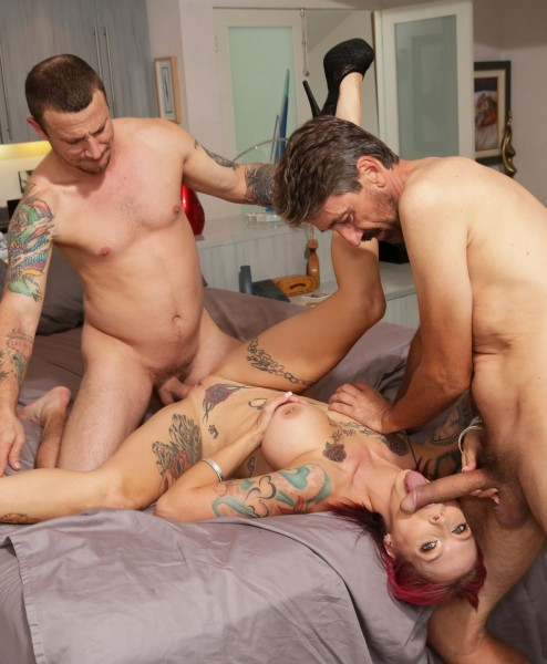 Anna Bell Peaks – Anna Bell Peaks Gets Rammed Down By Two Cocks