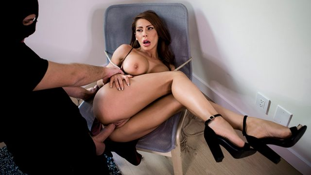 Kinky Kidnap Madison Ivy & Keiran Lee