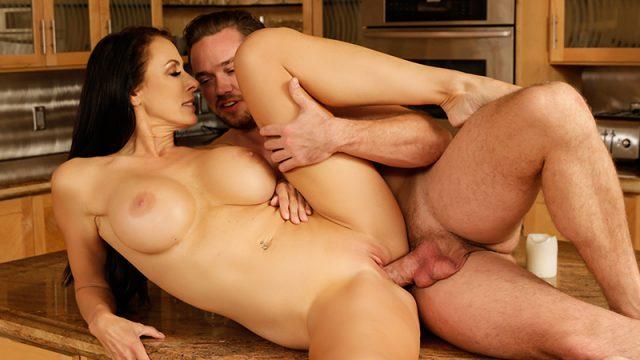 Sending Stepmom's Nudes Reagan Foxx & Kyle Mason