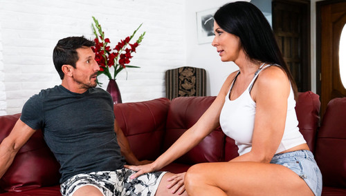 Reagan Foxx – Different Wives, Different Lives