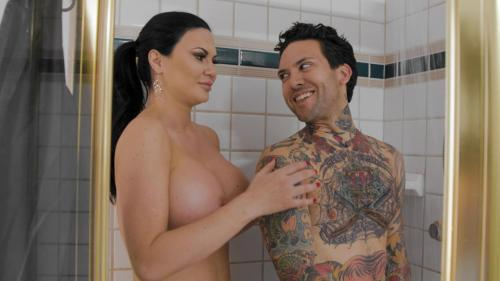 Jasmine Jae – Teacher's Pest