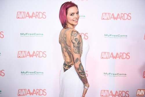 Anna Bell Peaks – Wants Her Son To Stay