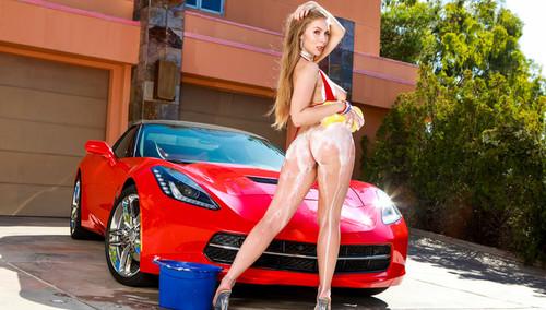 Lena Paul – Anal Car Wash Girl