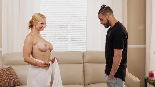 Sarah Vandella – My Stepmom's In Heat