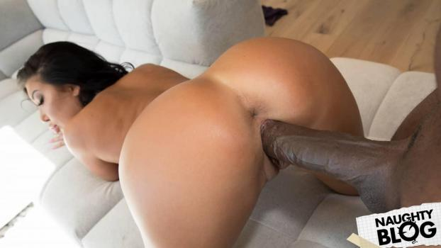 August Taylor – Big Wet Interracial Tits 3